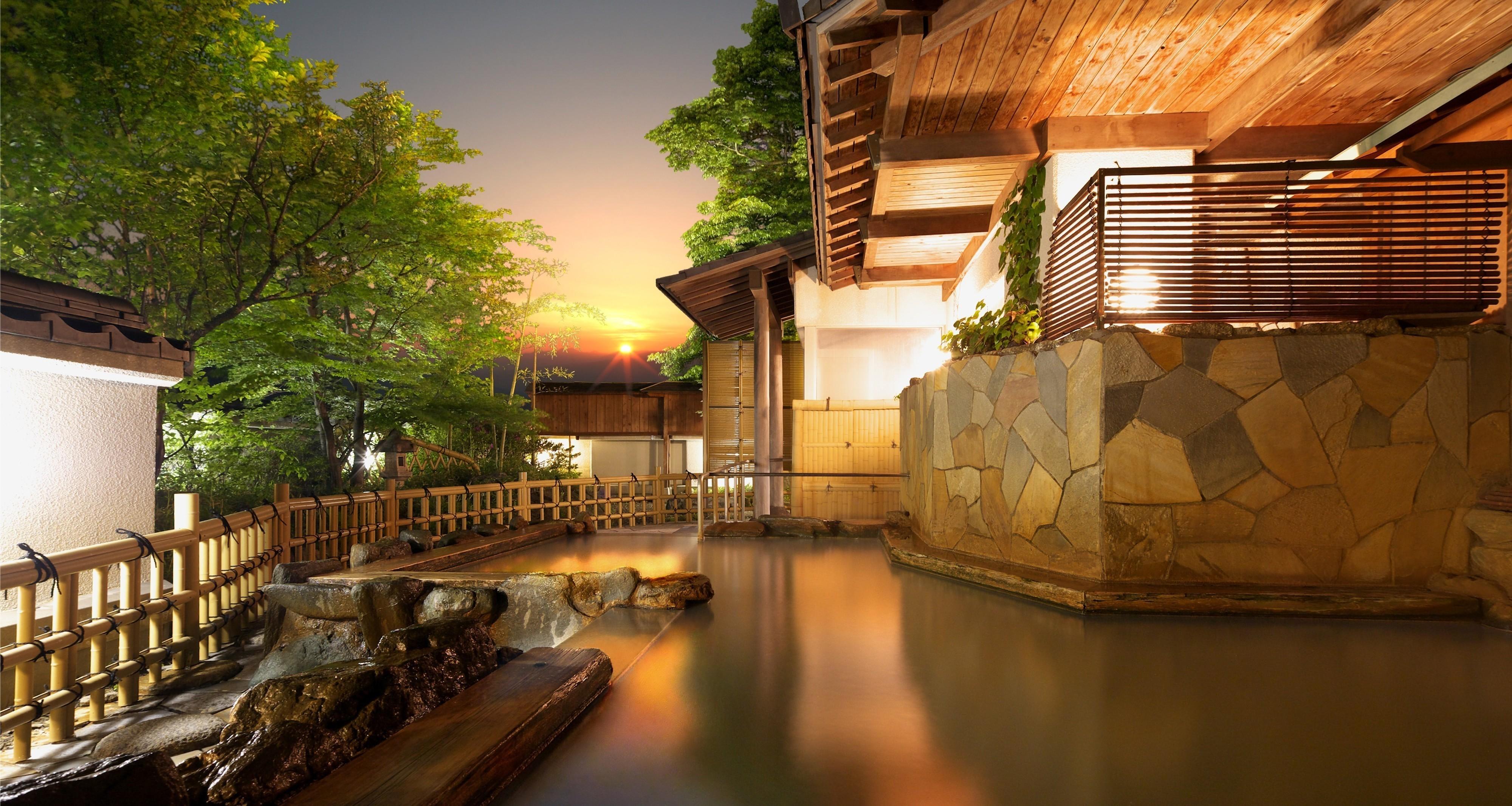 【公式】雨情の湯 森秋旅館