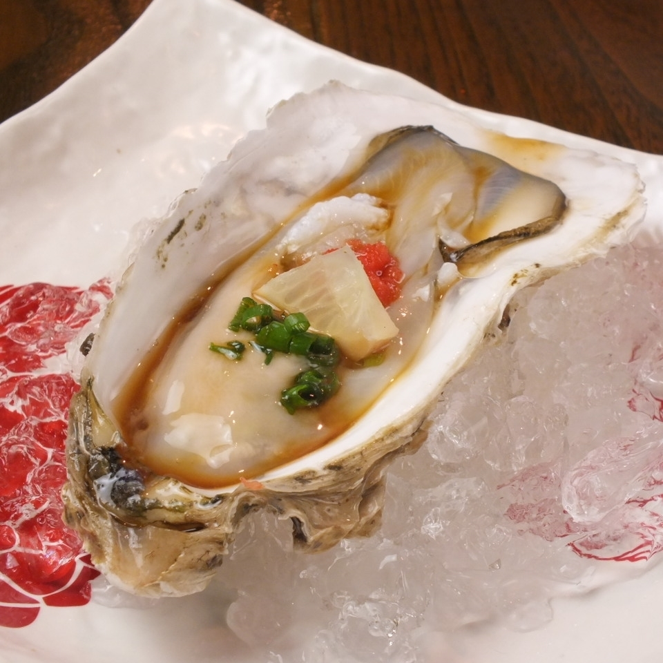 1 raw oyster
