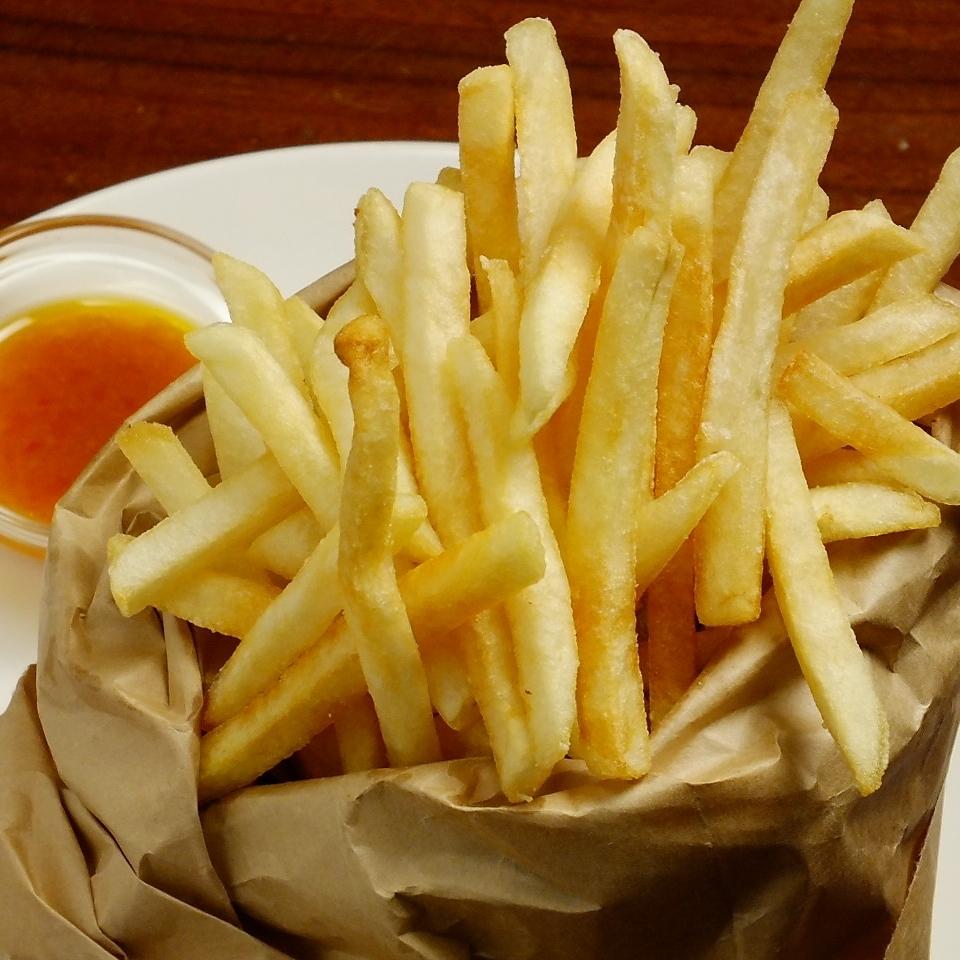 ポテトフライ (塩味/スパイシー/チーズ)