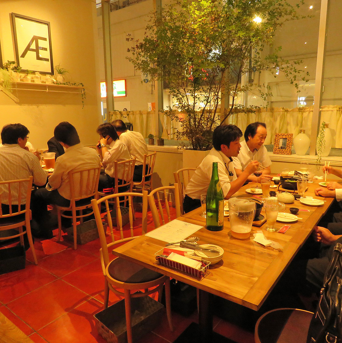 【Private room with 15 to 25 people available】 Although it is usually a table seat, you can use private room according to the number of guests.There is a feeling of liberty at the seat of the window here, the story will also be exciting Enjoy the mistake Pear! Spend a pleasant moment in the fashionable atmosphere of the interior.We will do maximum hospitality so that we can meet your request of the secretary!