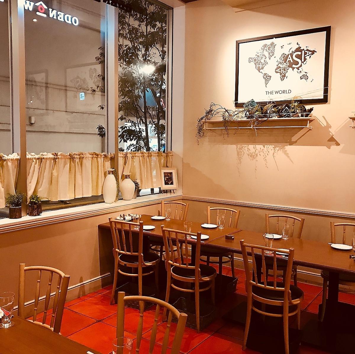 【每天使用方便的桌子】桌子座位将根据客人的数量准备座位,所以从午餐和saku饮料,女子协会,生日·周年纪念日,各种宴会等经常使用这是一个可以欣赏派对场景的座位。婚礼第二方包机计划从3,500日元〜,宴会套餐是4000日元〜,两个小时都可以自给自足。