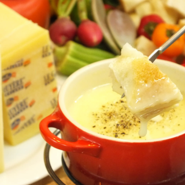 """White cheese fondue"" with white wine and Swiss cheese smell and girls' party, Recommended for group use ♪"