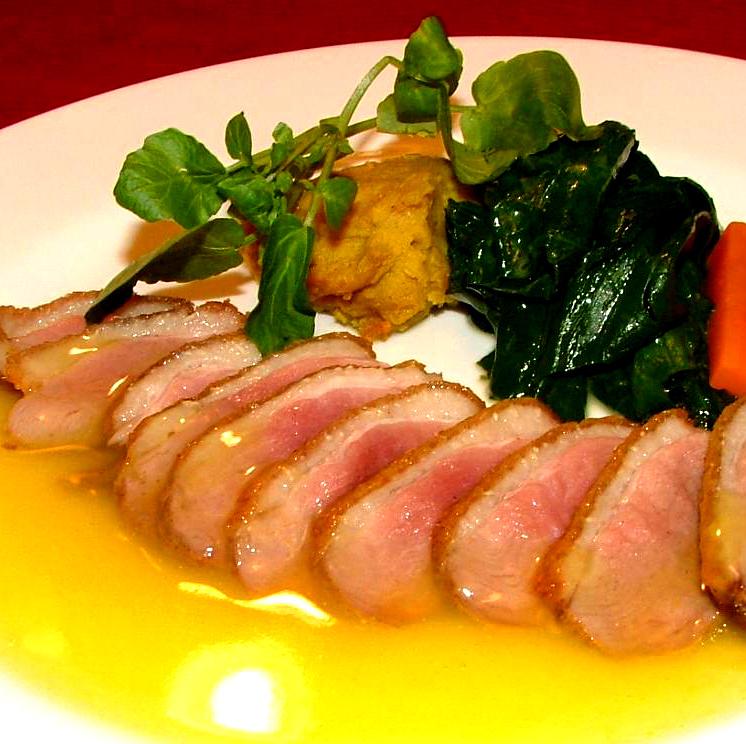 鴨肉のロースト/カモ肉の串焼き