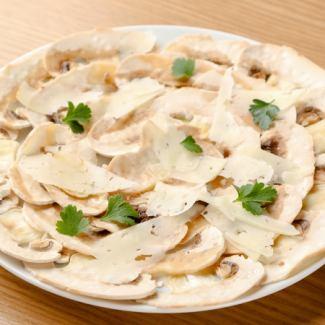 蘑菇生牛肉片,曼徹格奶酪