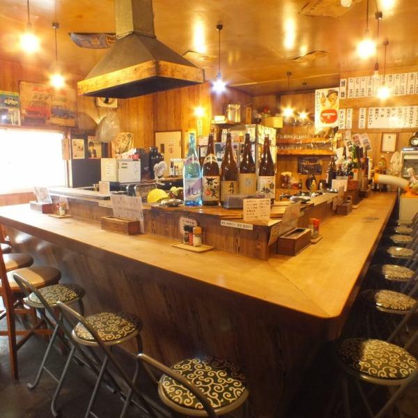 全20席のテーブルは七輪を囲んでワイワイするのにちょうど良いスペース!七輪で美味しいお肉を焼き、出来立てが食べられます。!【焼肉 ホルモン 肉 サムギョプサル 宴会 居酒屋 貸切 本厚木 シロコロ 女子会】