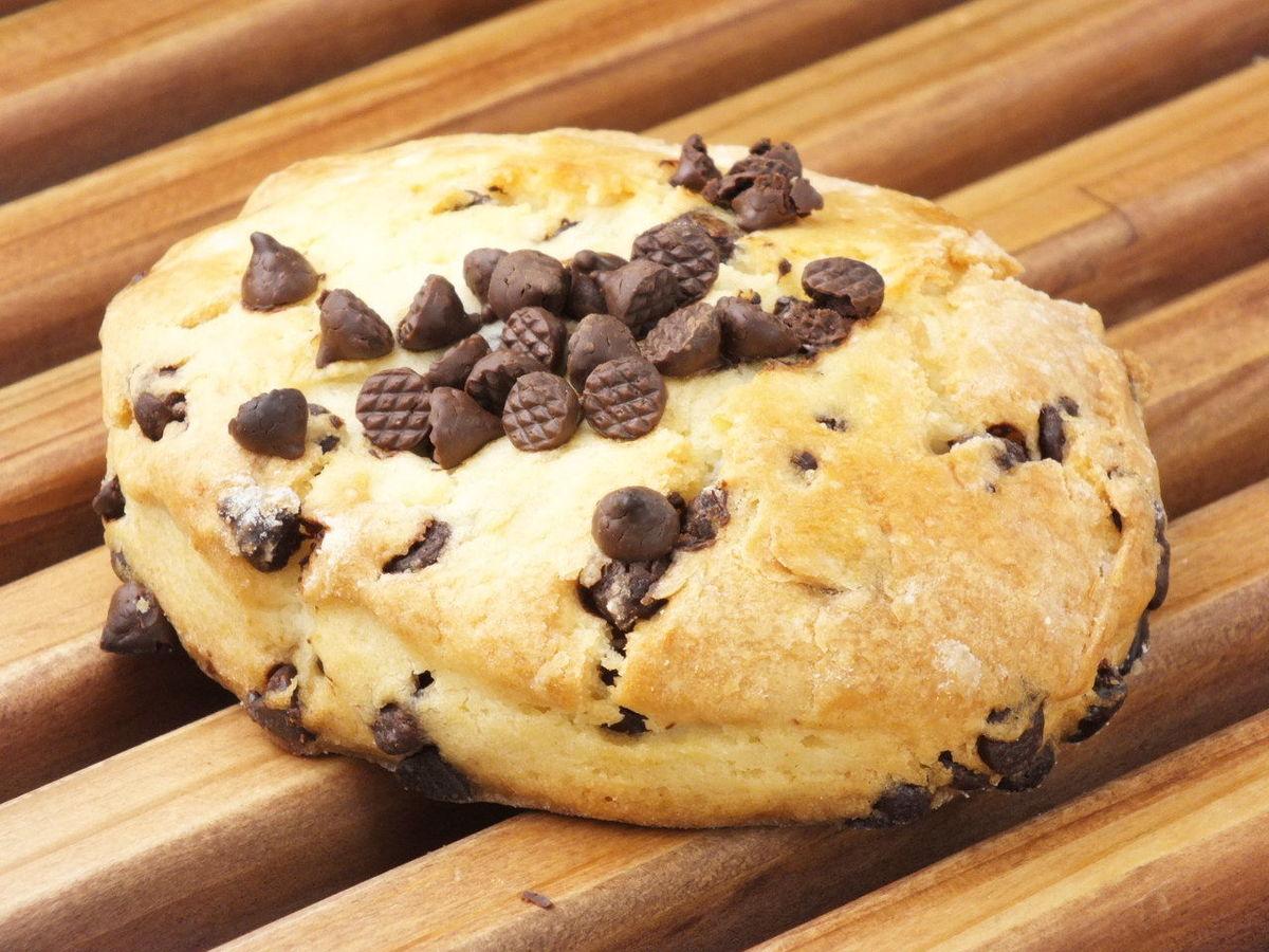 Bitter chocolate scones