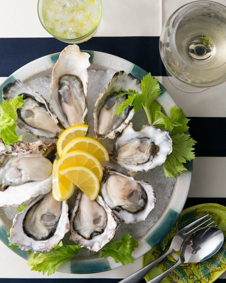 [Raw oysters × Hiroshima Italian] theme.