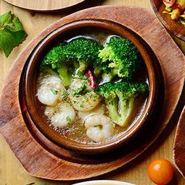 Ahijo of shrimp and broccoli