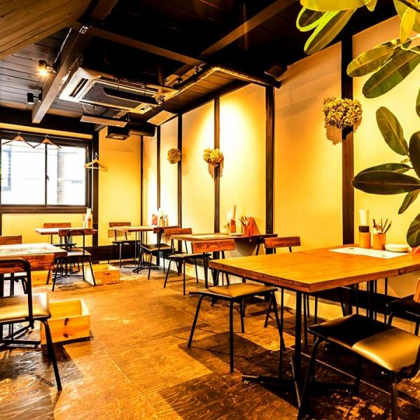 Fashionable space of natural motif ★ Colorful fresh vegetables × Wine × casual space ♪ Birthday · Girls' Union · Gokon! Dating in casual open spaces ◎