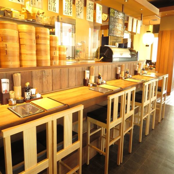 Even from one person OK! The counter seats where you can overlook the kitchen can be seen placing the tempura flying dramatically ♪