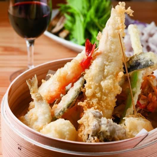 Tempura fried in rice oil is light and crisp in clothes! So many items can be chosen! 190 yen (withdrawal) to have