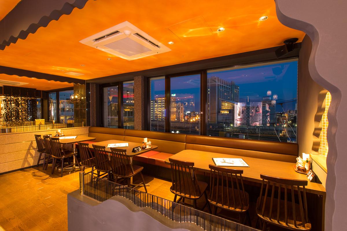 位置也是最高的☆您也可以享受夜景窗戶座位可以使用12人到15人!