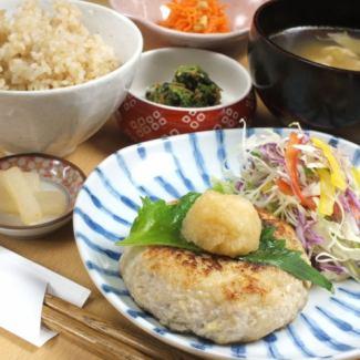 (日替わり)お豆腐のハンバーグ (シャキシャキれんこん入)