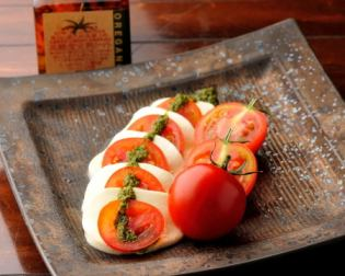 Caprese style of exquisite tomatoes in Tohoku
