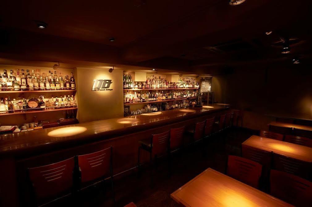 目黒駅徒歩1分。都会のオアシスともいえる落ち着いた雰囲気で味わうお料理、お酒を大切な方とお楽しみください。