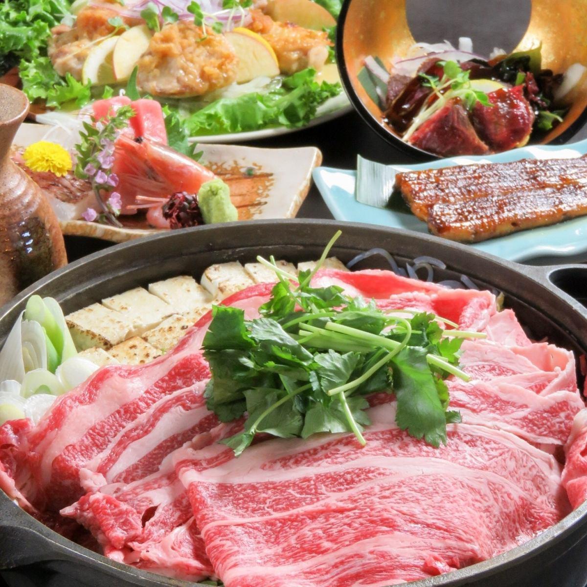 県産牛すき焼きコースは5000円~。純米酒も飲み放題のコースです