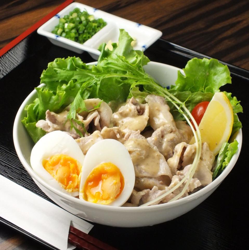 Udon with cold shabu salad udon