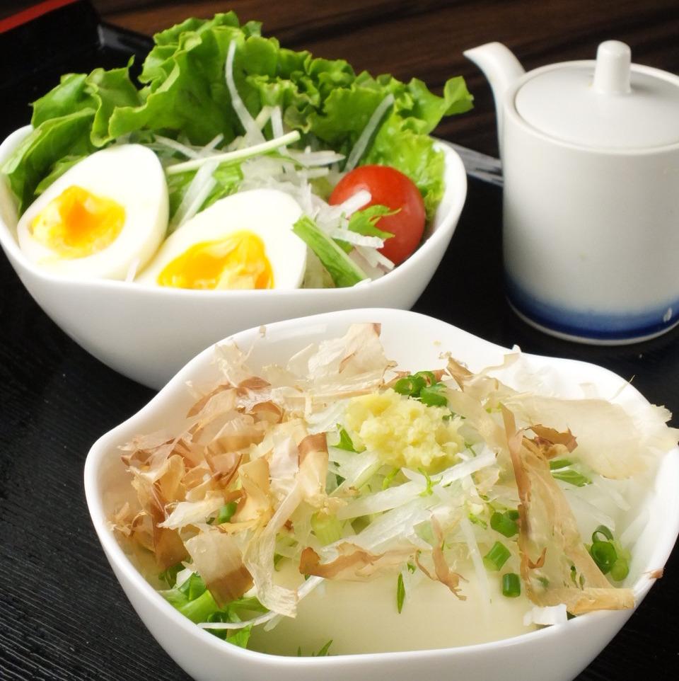 Daikon salad (back) / Tofu salad (before)