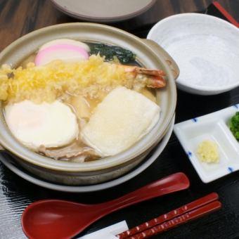 [Popular menu!] Nabeyaki udon all year round