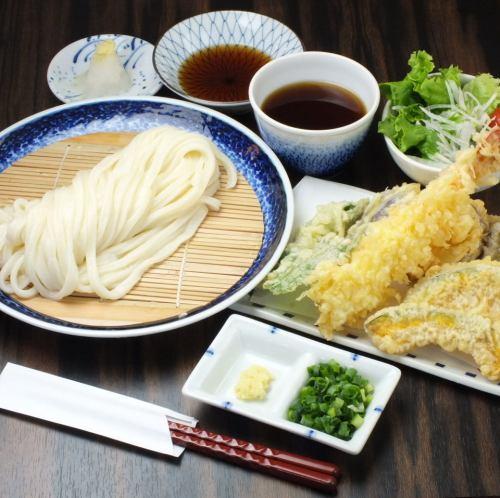 Pine set Ebiten (1 shrimp, vegetable heaven), small bowl, salad is a great deal.