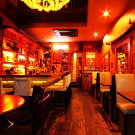 1階席はバー&カフェフロア!【予算に応じて選べる】飲み放題付き宴会コース各種ご予約がオススメ!♪事前に言って頂ければ考慮したお席をご案内します。