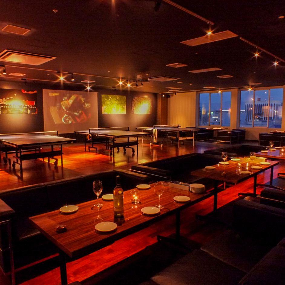 在九州大廈8樓門口的第一家乒乓球吧!食物和飲料也很充實☆深夜到3點好!