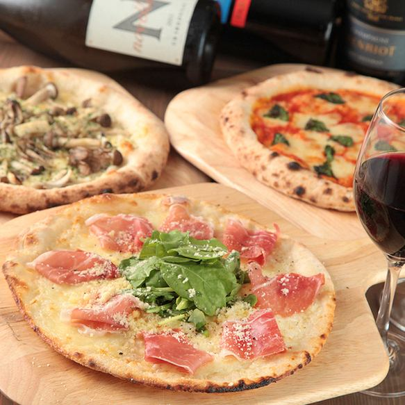 Only ☆ authentic stone oven pizza ☆ 2 kinds of pizza dough that choice is Pizakozou in Yokohama !!