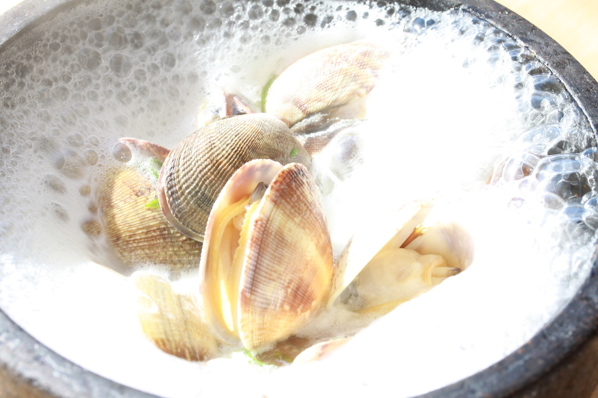 Steamed roasted clam clams