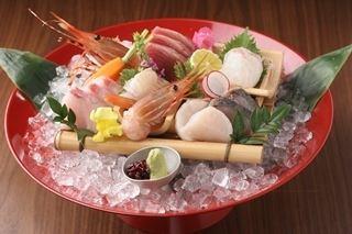 Assorted seasonal sashimi