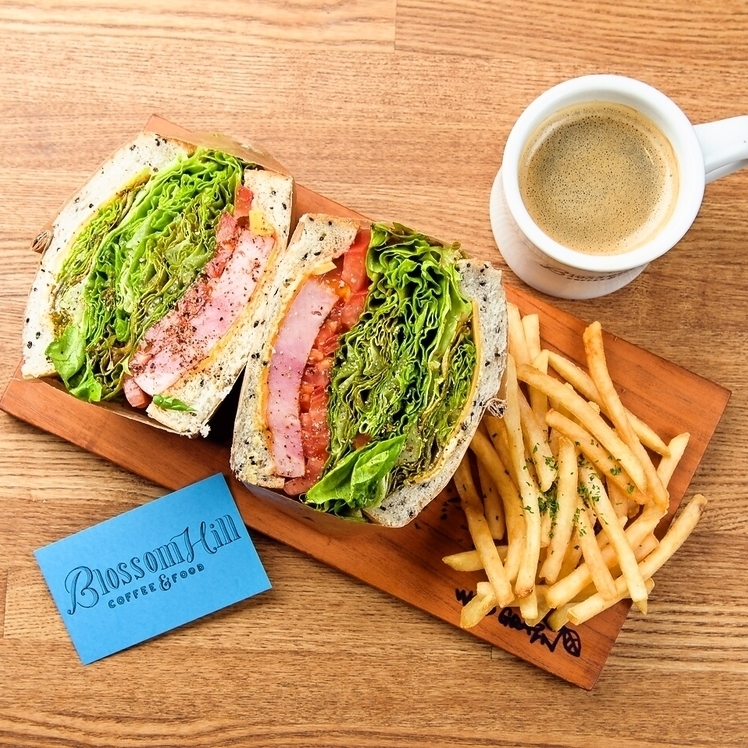 Lunch Time ♪ Freshly ground Kona coffee and creative sandwich