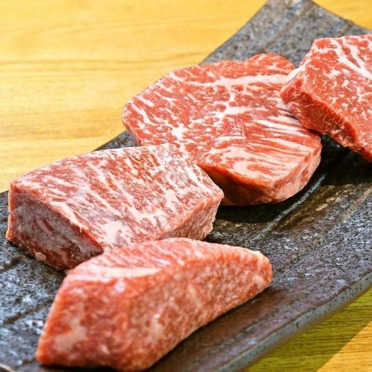 希少部位を使ったお肉メニューも多彩♪ディナーコースは2900円(税抜)~