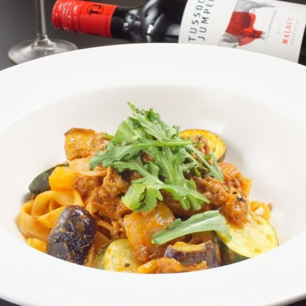 "<Homemade production boasts!>> Plenty of seasonal vegetables ""Bolognese ◆ 900 yen (tax excluded)"" Gottzuri meal while drinking ♪"
