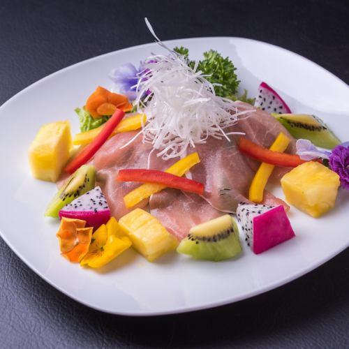 生ハムとフルーツのサラダ/特製冷しゃぶサラダ