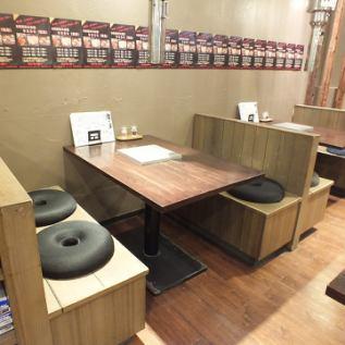 テーブルBOX4名席「ホルモン太一亀有店」