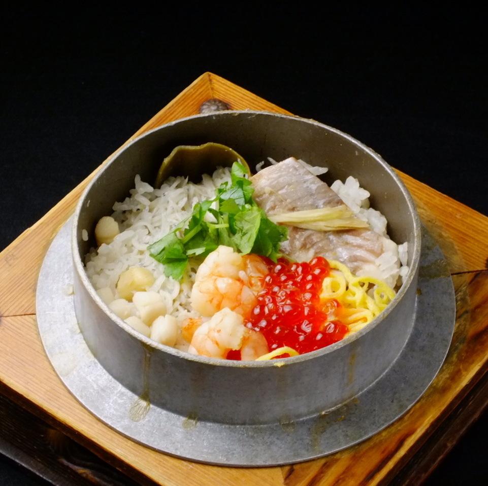 海鲜盆栽米饭