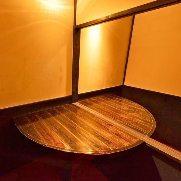 ◆◇記念日や接待でのご利用にぜひ♪◇◆打ち合わせやデートにおすすめ♪ 2~4名様までご利用できる個室席です。様々なニーズにお応えできる個室席になっておりますプライベートなシーンでぜひ♪【和食 鳥料理 地鶏 水炊き 地酒 宴会 飲み放題 個室 貸切 誕生日 石川町 元町 中華街 歓送迎会】
