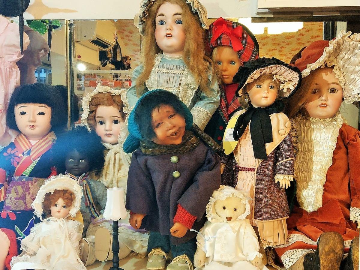 N's dollの原点のビスクドール・市松人形・だき人形等もございます。