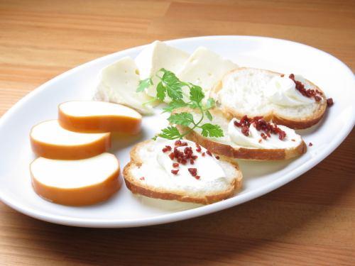 チーズ3種の盛り合わせ