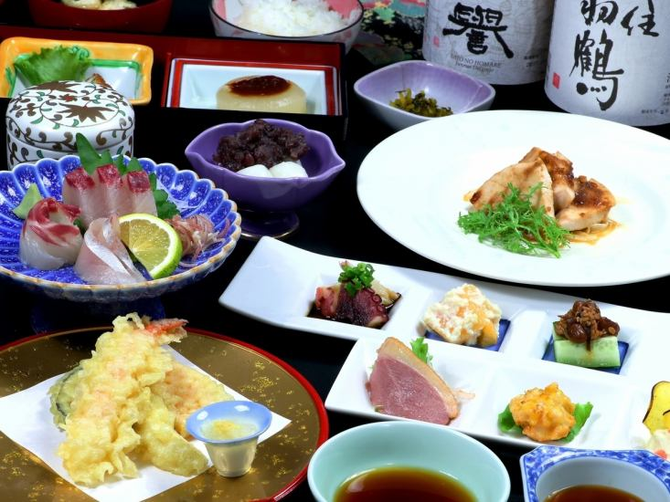 Full-flavored Japanese food Dining We have a selection of Japanese sake throughout the country