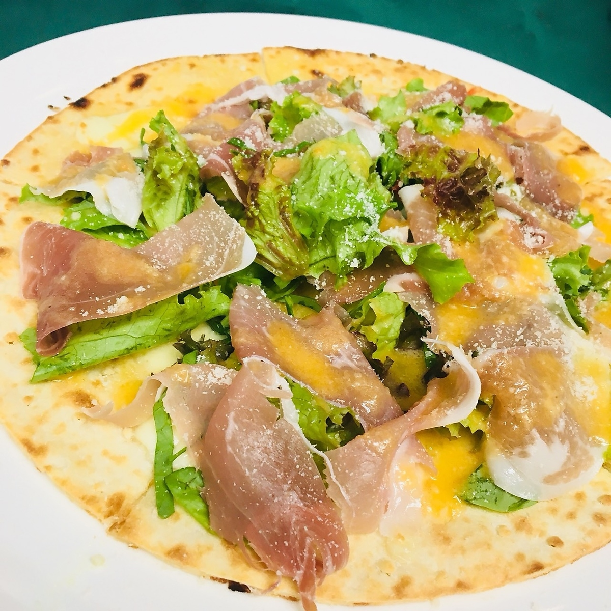 Happy healthy ♪ raw ham salad pizza