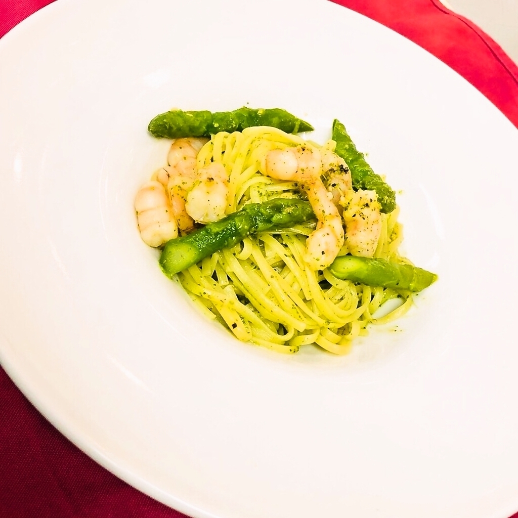 Prawn shrimp and Aspara Genovese