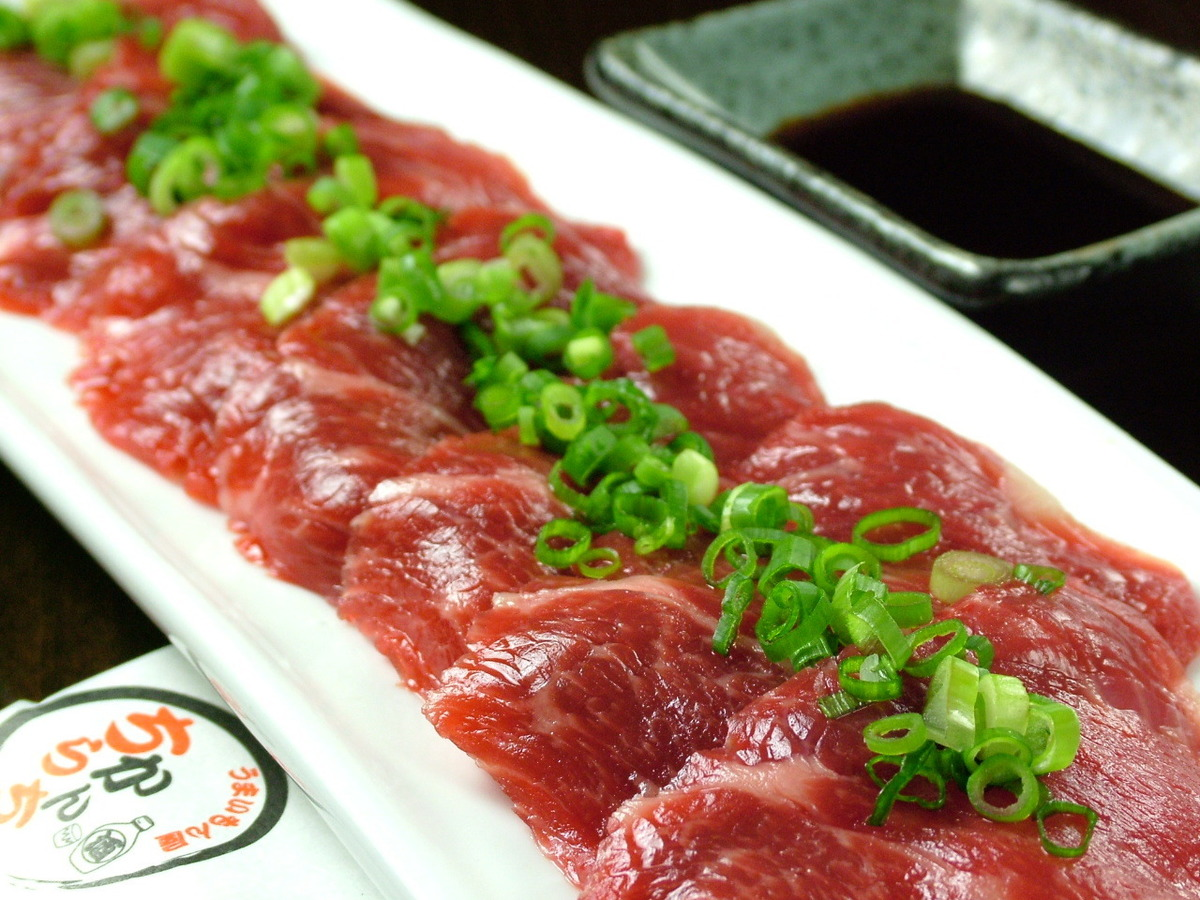 Authentic taste! Kumamoto direct delivery! Superb horse sting !!