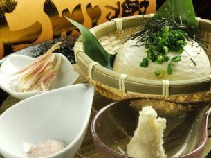 手作り豆腐・チーズサラミ・塩辛・ホタルイカの沖漬け・もずく酢