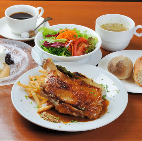 Daily lunch with dessert is also recommended