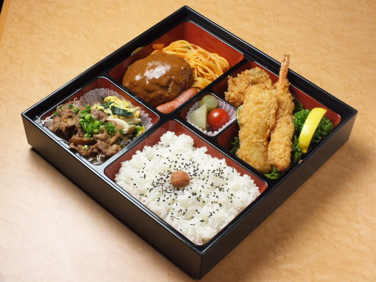 Western style curtain lunch box 【reservation / delivery available】