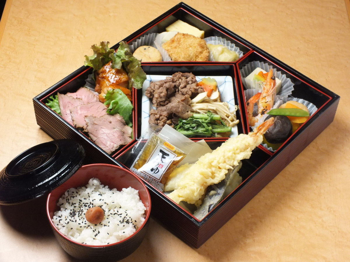 Japanese style Kaiseki lunch box 【Reservation · Delivery available】
