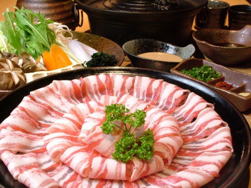 【富】特選豚コース…小鉢、特選豚、野菜、ご飯、味噌汁