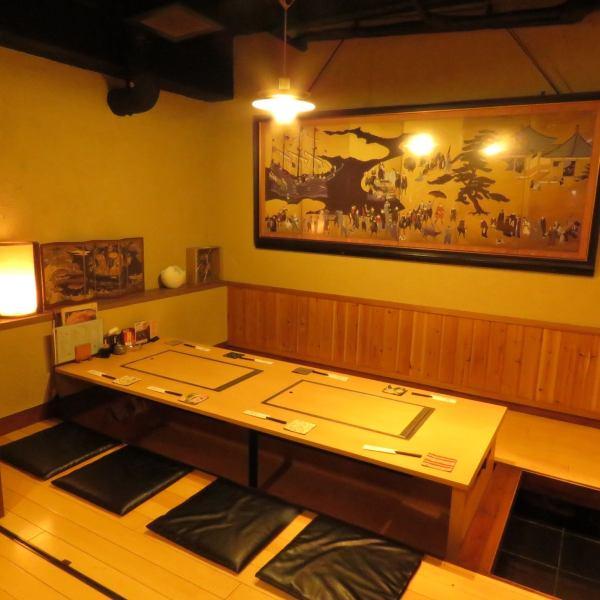 個室は16名様までご利用可能です。大人の雰囲気が漂うお店です。