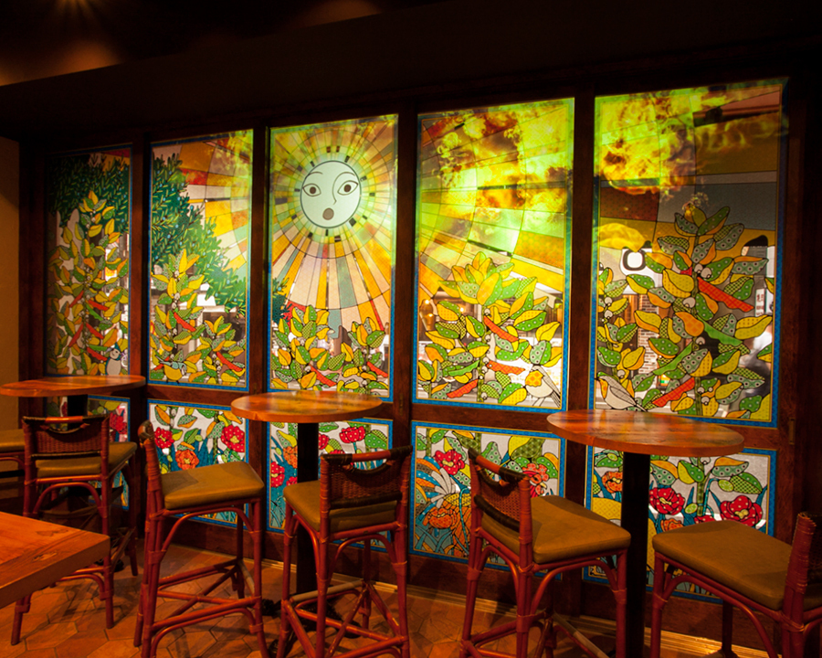 """The favetta's magic colors the inside of the shop"" On the terrace seat terrace seating, mapping centered on the sun god is done with a large glass door.Please enjoy various expressions such as daytime to night."