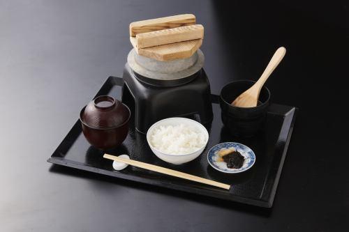 季節の釜炊き飯(留椀・漬物付)